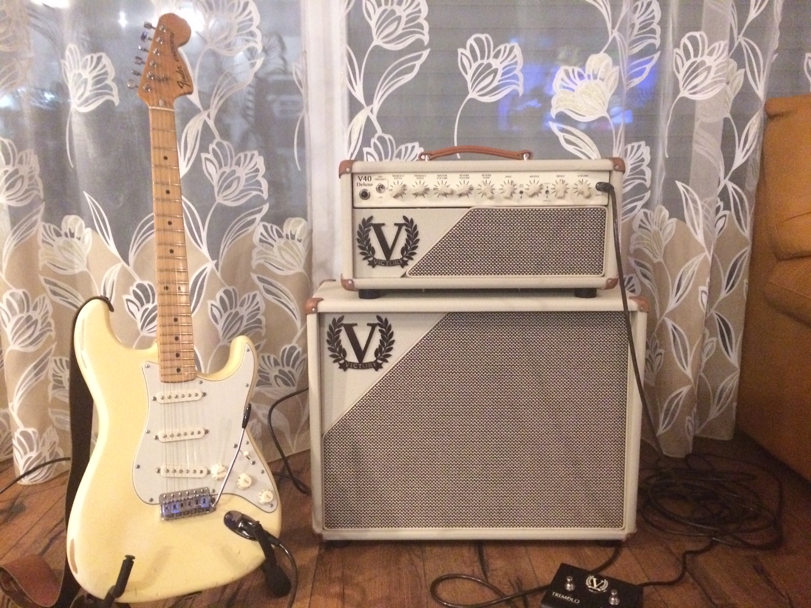 "Victory V40 Deluxe Head & 1x12""Cab"